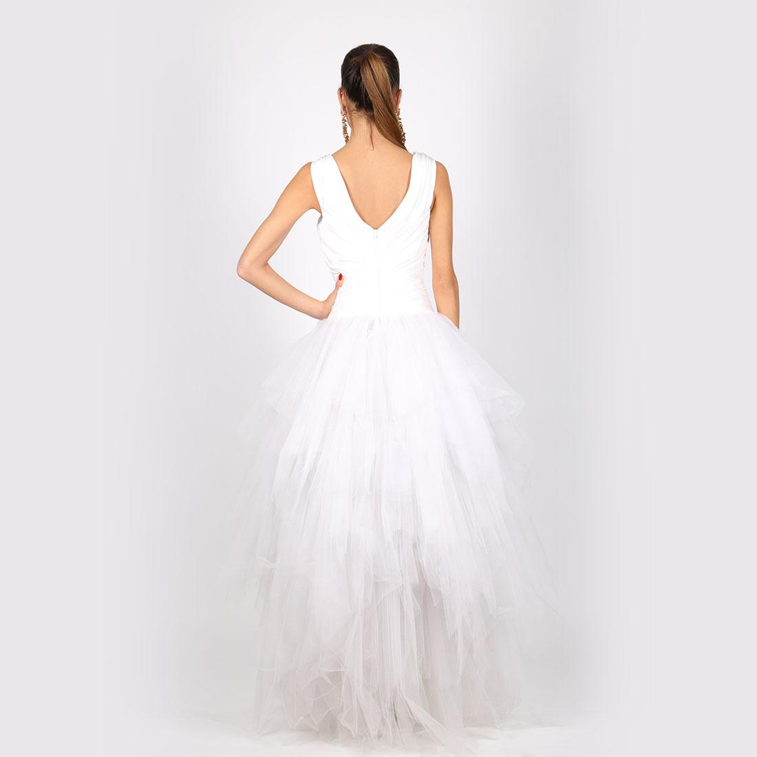biele-saty-s-korzetom-s-velkou-rafinovanou-suknou-z-tylu – Katleen f90e48e7829