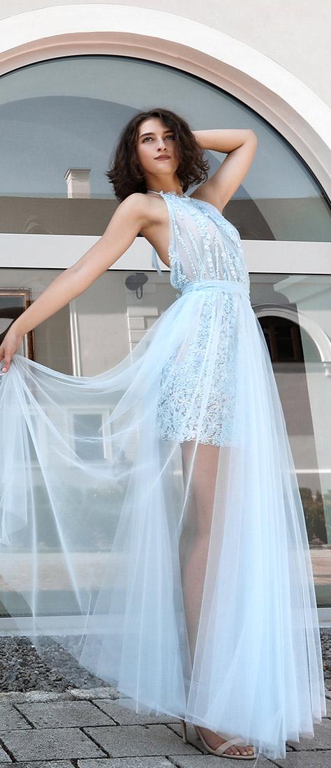 3D krátke krajkové bledomodré šaty s dlhou sukňou