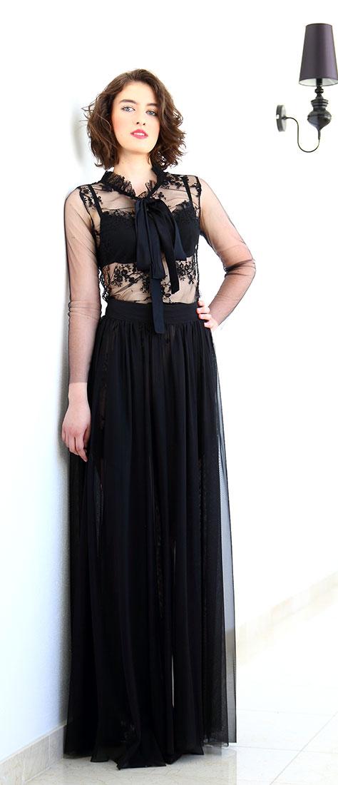 Krátke krajkové šaty s tylovou sukňou