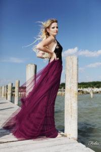 Dolaďte šaty na stužkovú k farbe vašich vlasov  ad381493618