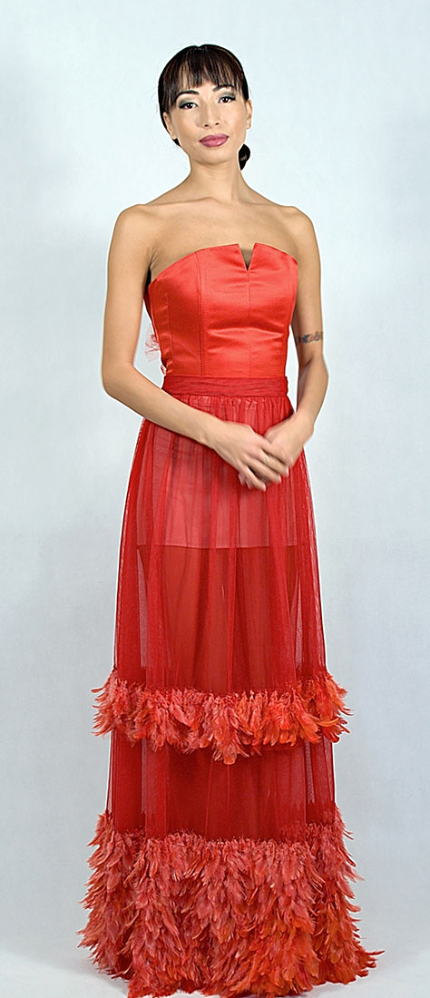 Dvojdielne červené šaty s korzetom a tylovou sukňou