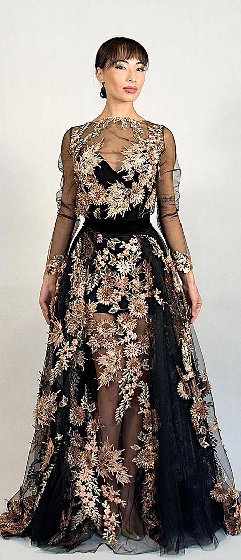 Sexy šaty s 3D krajkou, vyšívané na čiernom tyle s dlhým rukávom